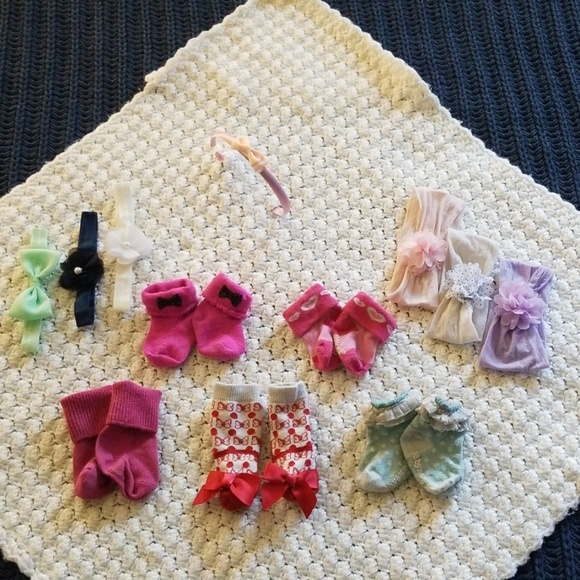 fc5ce7b168194 Girly Girl Baby Lot, 7 Hair Bows and 5 Socks